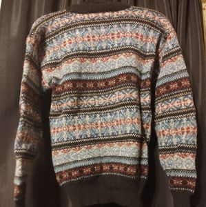 NORTHERN ISLES 100% WOOL SWEATER SIZE MEDIUM